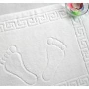 Vonios kilimėlis su graikišku raštu ir pėdutėm